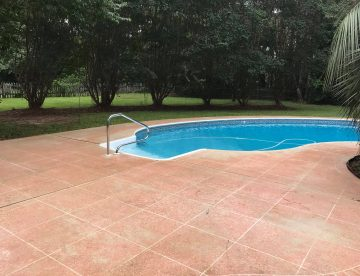 Tallahassee pool deck cleaning